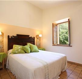 2 Bedroom Villa with Pool in Pollensa, Sleeps 4