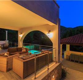6 Bedroom Villa with Pool in Mokosica near Dubrovnik, Sleeps 12-14