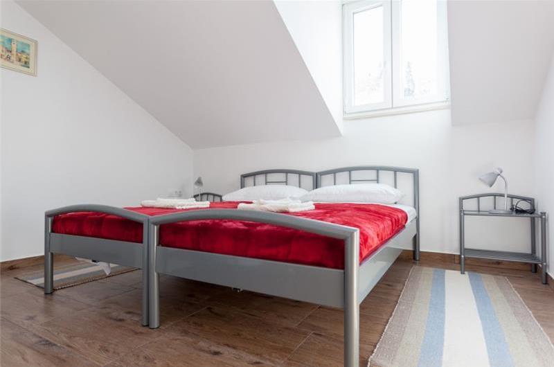 6 Bedroom Villa in Gruž near Dubrovnik Old Town, Sleeps 12-26