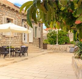 3 Bedroom Villa near Dubrovnik Old Town, Sleeps 6-8