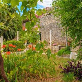 3 Bedroom Villa near Dubrovnik Old Town, Sleeps 6-8