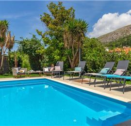 5 Bedroom Villa with Heated Pool near Dubrovnik Old Town, Sleeps 10