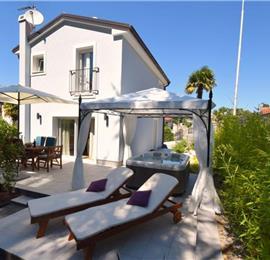 2 Bedroom Villa with Jacuzzi in Malinska, Krk Island, Sleeps 4-6