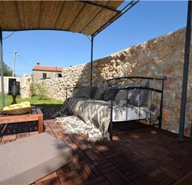2 Bedroom Villa near Šilo, Krk Island, Sleeps 4-6