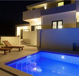 3 Bedroom Villa with Pool near Vrbnik, Krk Island, Sleeps 6