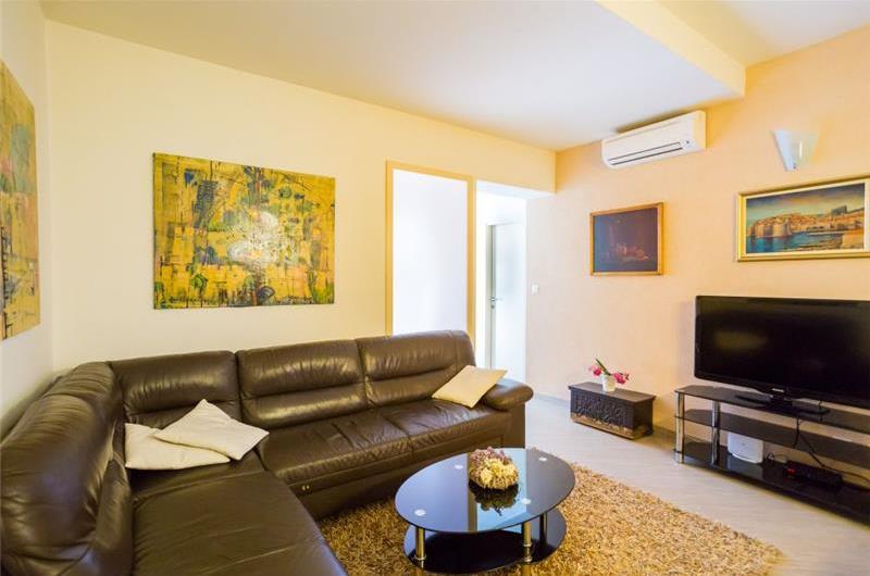 2 Bedroom Apartment with Garden in Babin Kuk, Near Dubrovnik Old Town, Sleeps 2-4