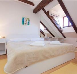 3 Bedroom Apartment in Dubrovnik Old Town, Sleeps 5-6