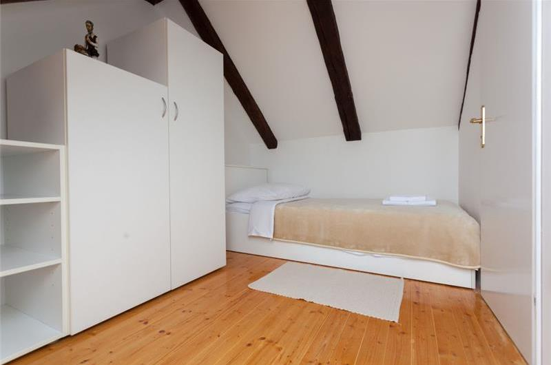 3 Bedroom Apartment in Dubrovnik Old Town, Sleeps 5-6