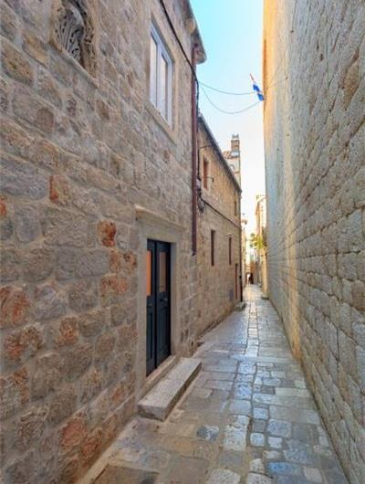 3 Bedroom Apartment in Dubrovnik Old Town, Sleeps 5-7