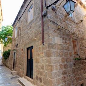 3 Bedroom Apartment in Dubrovnik Old Town, Sleeps 5-7