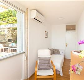 3 Bedroom Apartment with Terrace and Sea Views near Dubrovnik Old Town, Sleeps 5-7