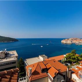 3 Bedroom Apartment with Terrace and Sea Views near Dubrovnik Old Town, Sleeps 6