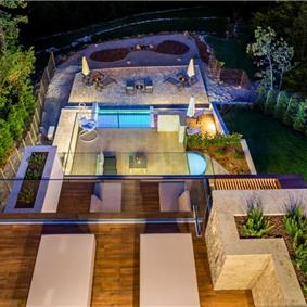 4 Bedroom Villa with Salt Water Pool, Private mini golf course and Rooftop Terrace near Opatija, Sleeps 8-10