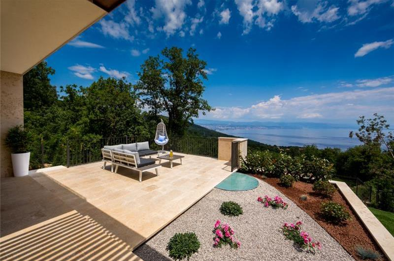4 Bedroom Villa with Salt Water Pool and Rooftop Terrace near Opatija, Sleeps 8-10
