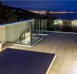 4 Bedroom Villa with Salt Water Pool, Private mini golf course and Rooftop Terrace near Opatija, Sleeps 8