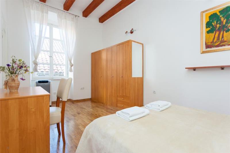 2 Bedroom Apartment in Dubrovnik Old Town, Sleeps 4-6