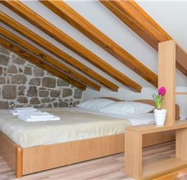 3 Bedroom Apartment in Dubrovnik Old Town, Sleep 5-6