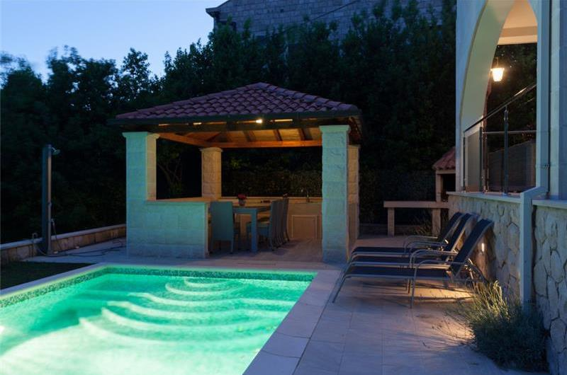 2 Bedroom Apartment with Private Heated Pool near Dubrovnik Old Town, Sleeps 4-6