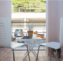 2 Bedroom Apartment with Terrace and Sea Views near Dubrovnik Old Town, Sleeps 4