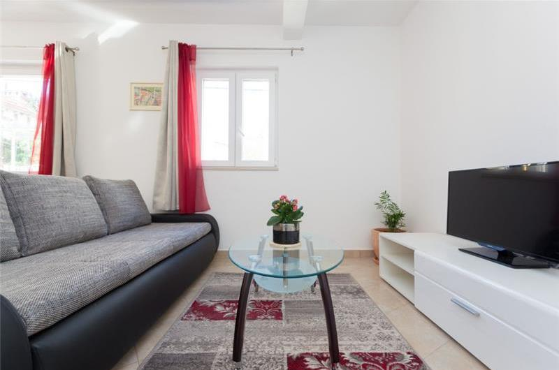1 Bedroom Ground Floor Apartment with Terrace near Dubrovnik Old Town, Sleeps 2-4