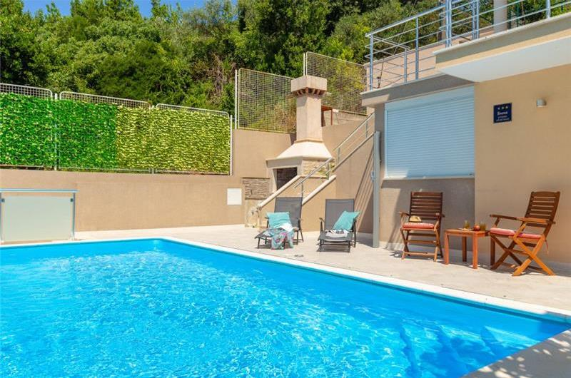 Studio Apartment with Private Pool near Dubrovnik Old Town, Sleeps 2-4