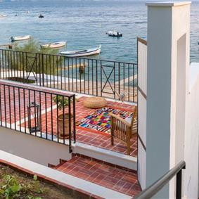5 Bedroom Seaside Villa with 2 Bedroom Beach Annexe in Stanici near Omis, sleeps 13-16