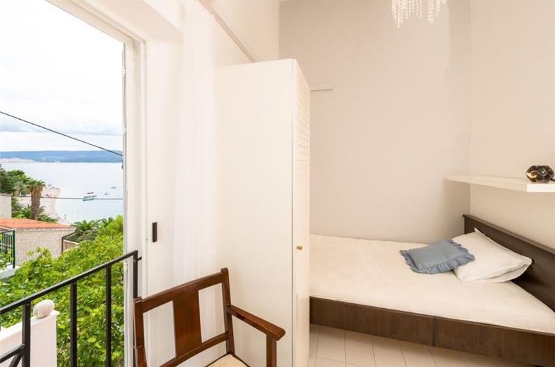 5 Bedroom Seaside Villa with 2 Bedroom Beach Annexe in Stanici near Omis, sleeps 14-16