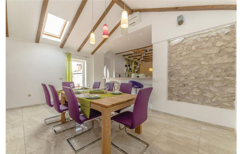 3 Bedroom Villa with Pool in Zadar, Sleeps 6-10