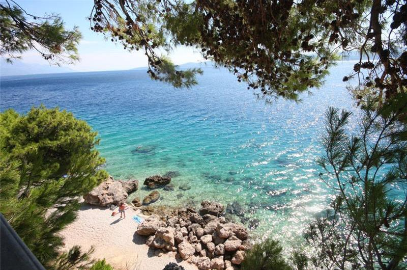 Sea Front Beach House Sleeps 4-5 in Medici near Omis, Split Riviera