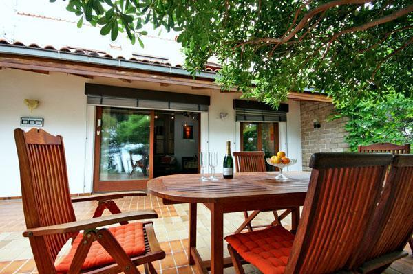 Sea Front Beach House Sleeps 4-5 in Medici near Omis, Split Riviera