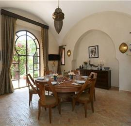 4 Bedroom Staffed Villa with Pool near Marrakech, Sleeps 8-10