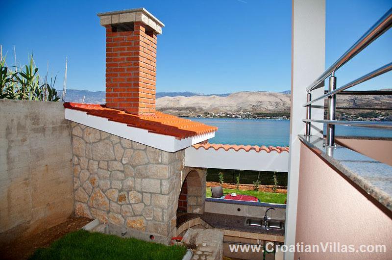 1 Bedroom Sea View Apartment on Pag Island, Sleeps 2-4