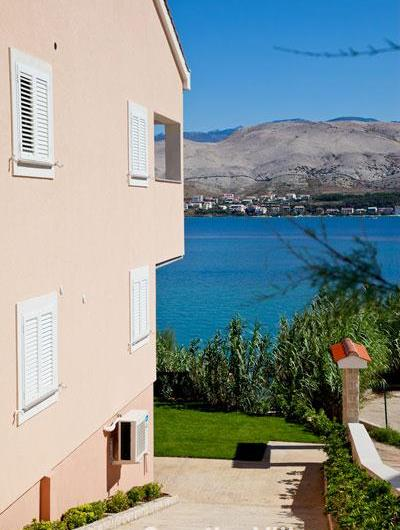 1 Bedroom Sea View Apartment on Pag Island, Sleeps 2-4