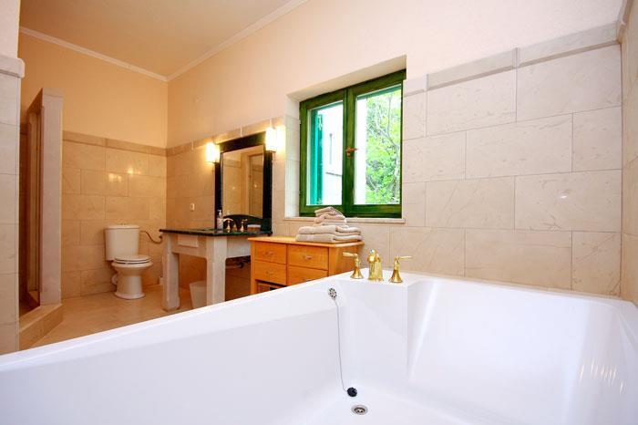 5 Bedroom Beachfront Villa near Orebic, Sleeps 10-12