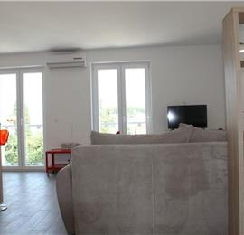 1 Bedroom First Floor Apartment with Terrace and Sea View in Cavtat, Sleeping 2-4