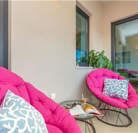 2 Bedroom Apartment with Balcony and Sea View in Dubrovnik City, sleeps 4-6