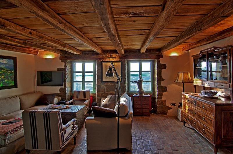 6 Bedroom Istrian Countryside Villa with Pool and Spa near Motovun, Sleeps 12