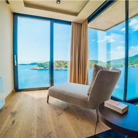 Luxury 6 Bedroom Dubrovnik Beachfront Villa with Infinity Pool, Sleeps 12