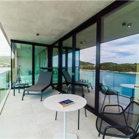 Luxury 6 Bedroom Dubrovnik Beachfront Villa with Infinity Pool, Sleeps 14