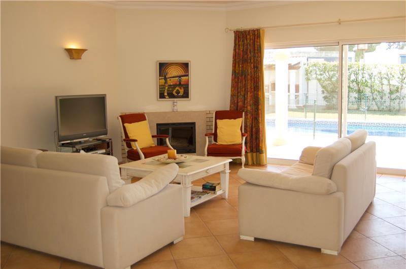 4 Bedroom Villa with Pool in Albufeira, Sleeps 8