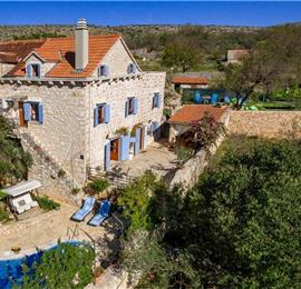 3 bedroom Villa with Pool in Milna on Brac, sleeps 7-9