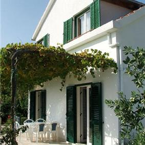 4 Bedroom Villa with Pool in Viganj near Orebic, Sleeps 8-10