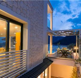 4 Bedroom Villa on the Seafront with Pool in Kalamar Bay, Sleeps 8