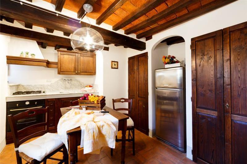 2 Bedroom Apartment in Cortona Town, Sleeps 3