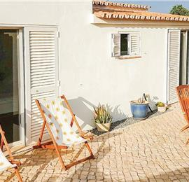 4 Bedroom Villa With Sea Views and Pool near Faro, Sleeps 8