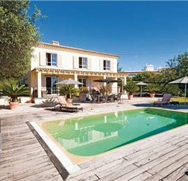 4 Bedroom Villa With Pool, near Almancil, Sleeps 8