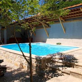 4 Bedroom seaside Villa with Pool in Orebic, Sleeps 7-8