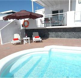 3 Bedroom Villa with Pool in Puerto del Carmen, Sleeps 6-7