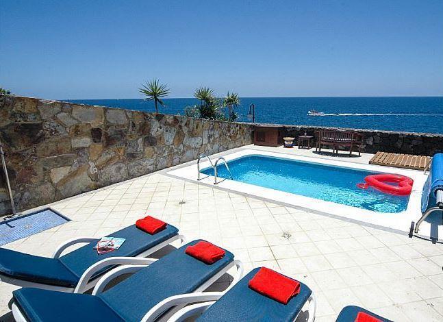 3 Bedroom Villa with Pool in Puerto Calero, Sleeps 6