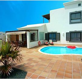 3 Bedroom Villa with Pool in Playa Blanca, Sleeps 6